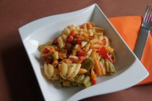 Bunter Nudel-Salat