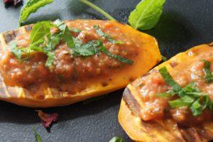Süßkartoffel gegrillt oder getoastet mit Avocado-Dip
