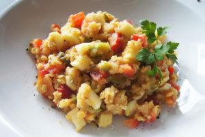 Köstlicher Linsen-Salat mit sauren Gurken