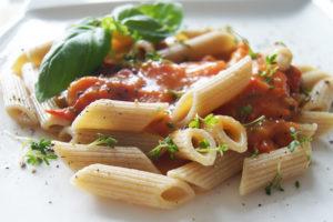 Super leckere Pasta-Sauce mit dem Apfel-Chili-Vonig von Vegablum